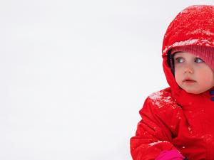 Cómo vestir a tu bebé en invierno